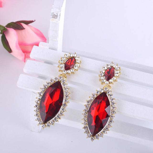 Tear drop pageant and prom earrings in red and black.
