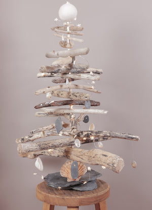 Driftwood Christmas Tree | scooms