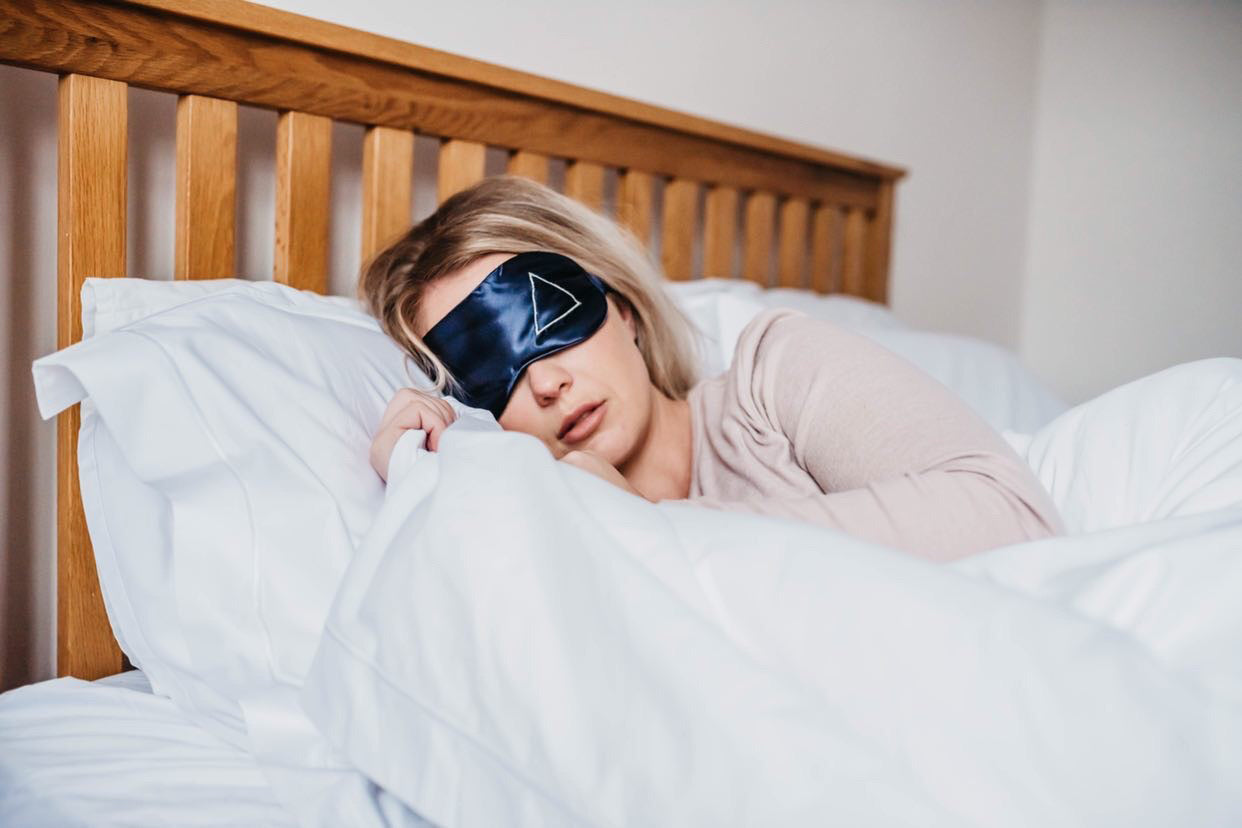 Sleeping with eye mask | scooms