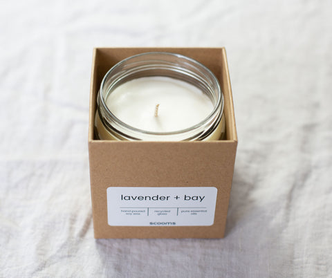 Natural scented candle in box | scooms