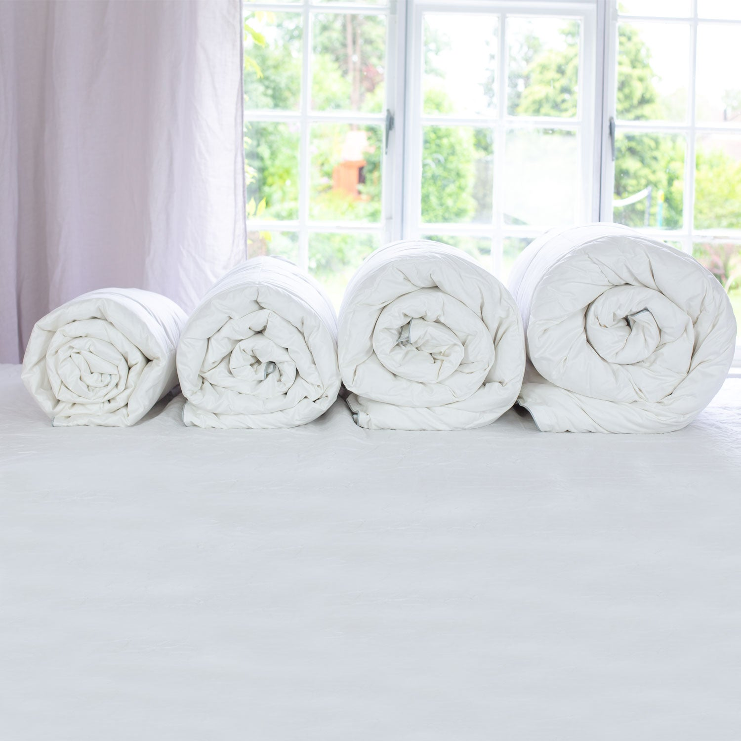 files/scooms_4_rolled_duvets_1500x1500_4d3d5b8b-a2df-439d-88f7-210a099824d4.jpg