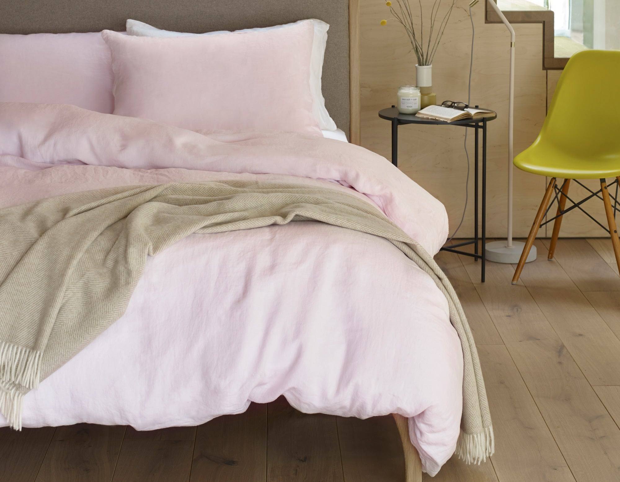 Linen Bedding in Soft Pink | scooms