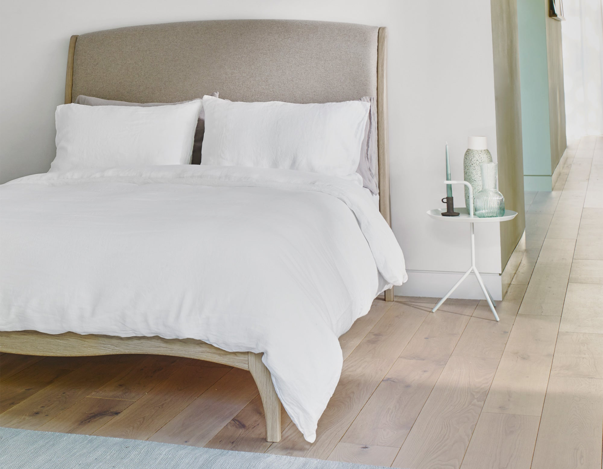 Linen Duvet Cover in White | scooms