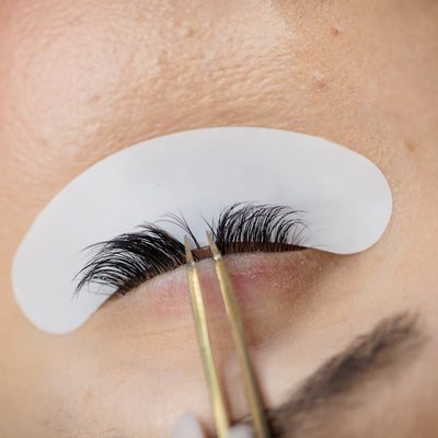 How to Find the Right Lash Artist for YOU