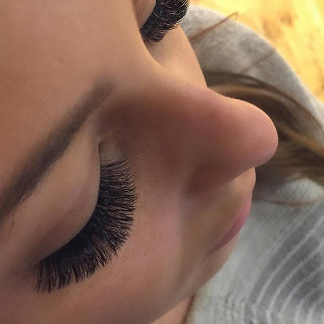 Sophia Knuckles - Lash Artist of the Month