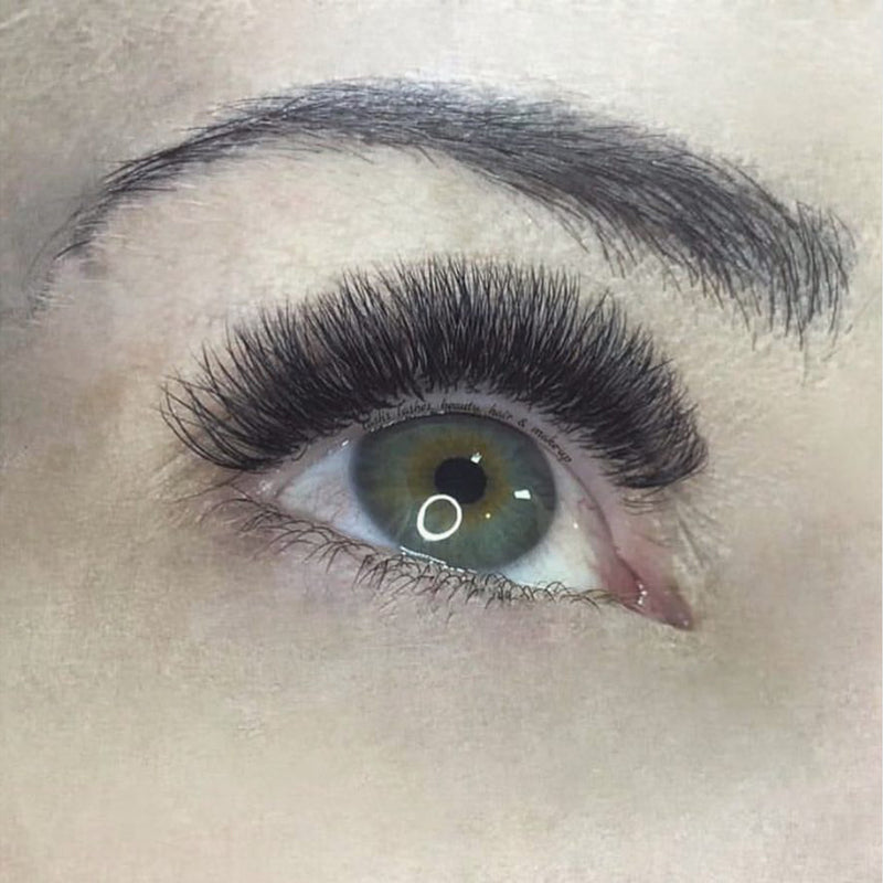 Natasha Gallier - Lash Artist of the Month