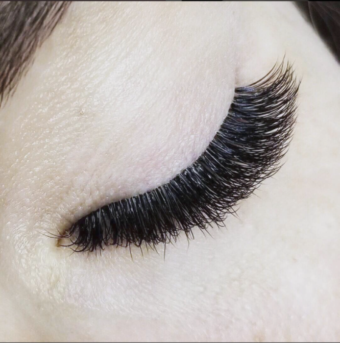 Lash Artist of the Month | Melissa Pinyon