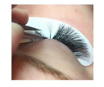 7 Reasons Your Lashes Don't Last