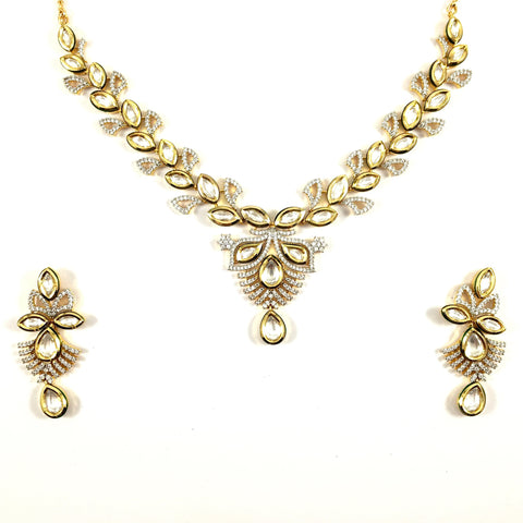 Exquisite Kundan Necklace Set with diamond detail