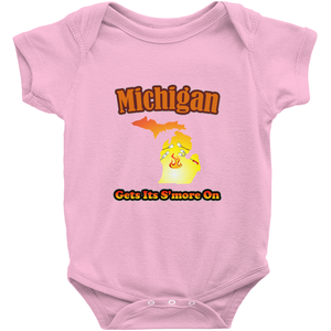 Michigan Gets Its S'more On! Novelty Infant One-Piece Baby Bodysuit