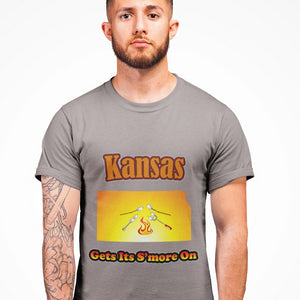 Kansas Gets Its S'more On! Novelty Short Sleeve T-Shirt