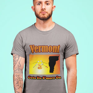 Vermont Gets Its S'more On! Novelty Short Sleeve T-Shirt