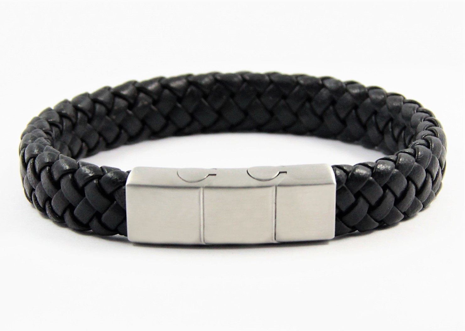 Magnetic Leather Bracelet in Black