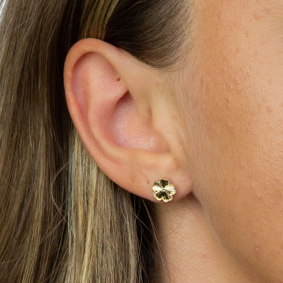 9ct Gold Flower Stud Earrings Jewellery Gecko