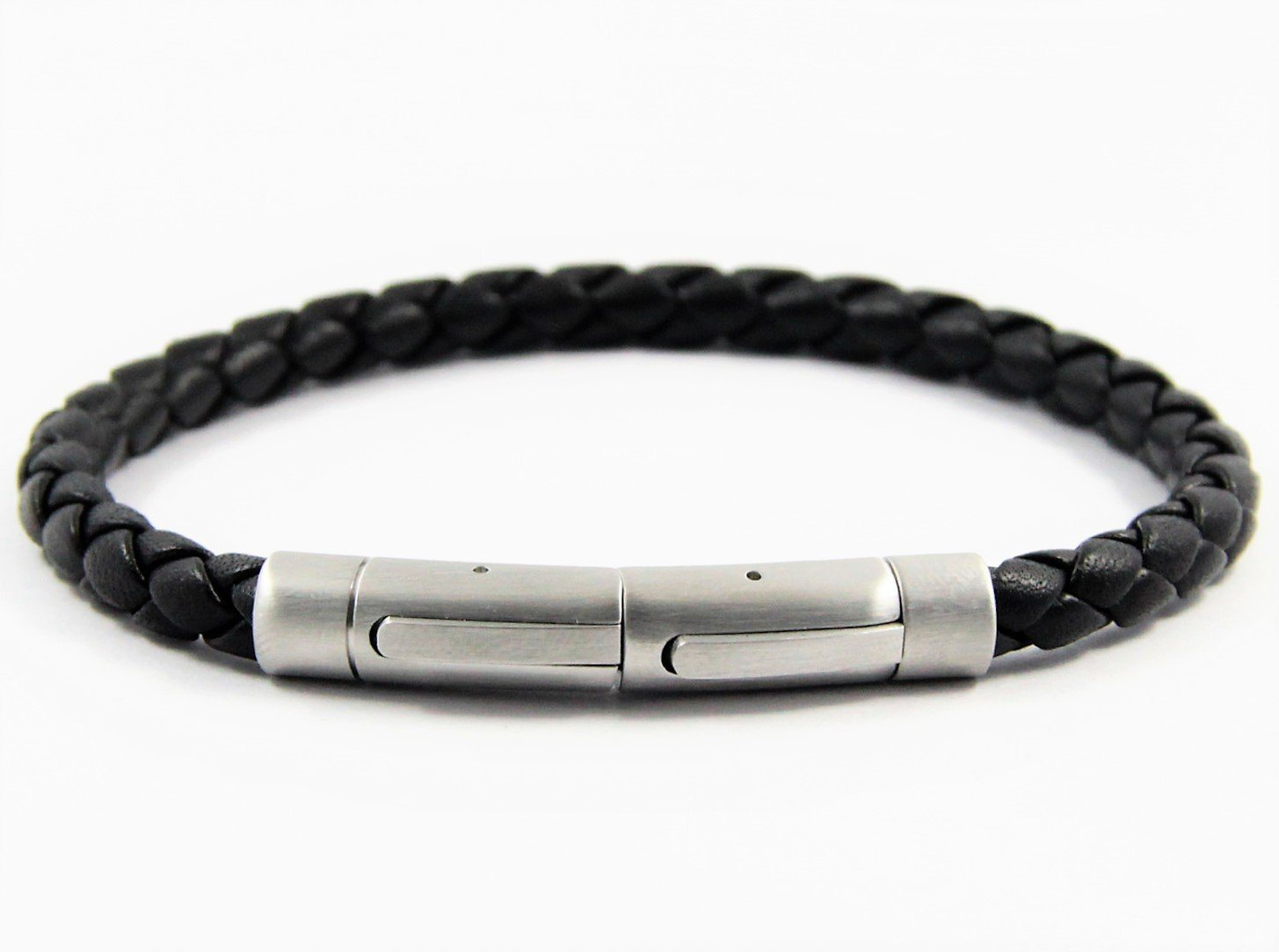 magnetic leather plaited bracelet in black which is adjustable