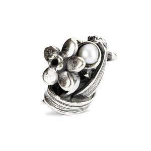Trollbeads silver bead of daffodil flowers with pearl, the bead for March