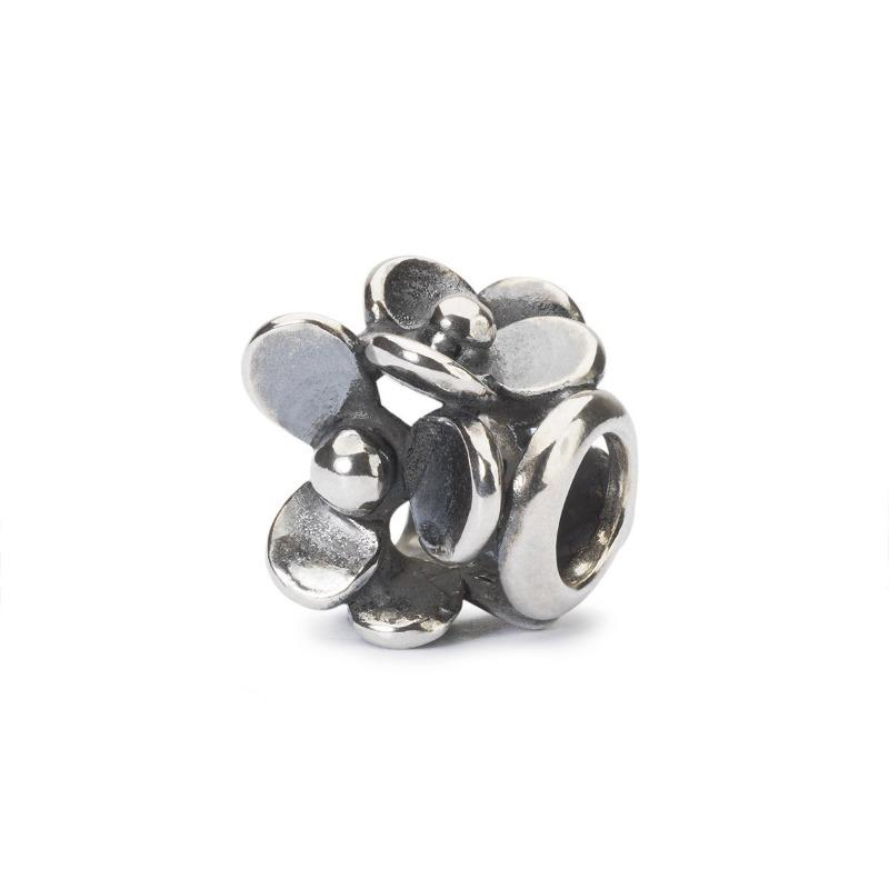 Trollbeads silver bead with four flowers called Lush Meadow