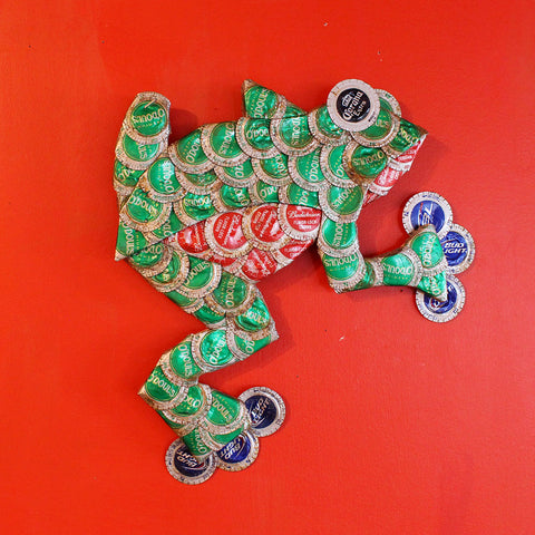 Frog Bottle Cap Art - TheMississippiGiftCompany.com