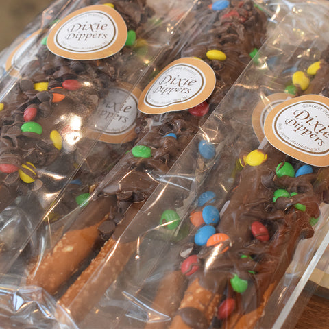 Dixie Dippers: Chocolate Dipped Pretzel- Fudge M&M