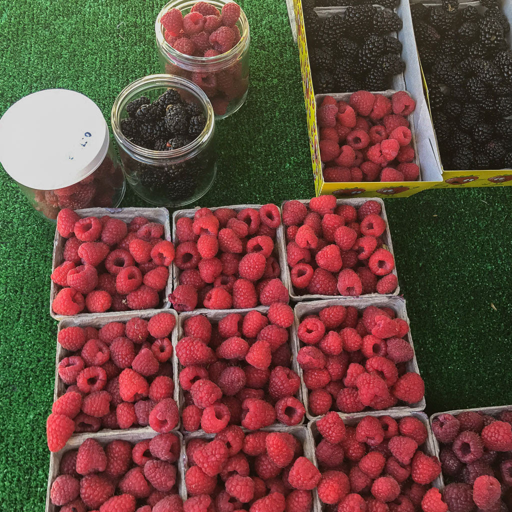 zero waste farmers market berries