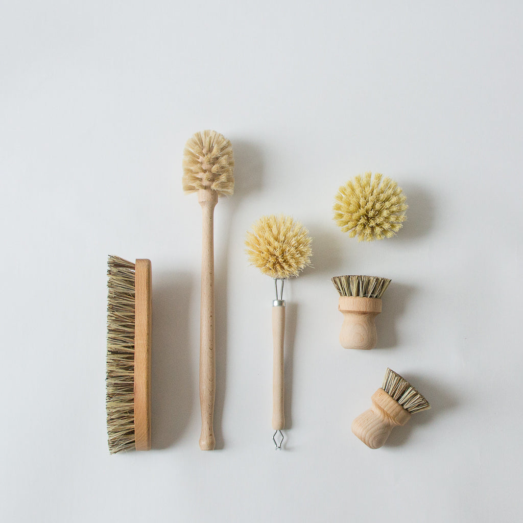 Simplistic Black and Brass Pan and Brush Set