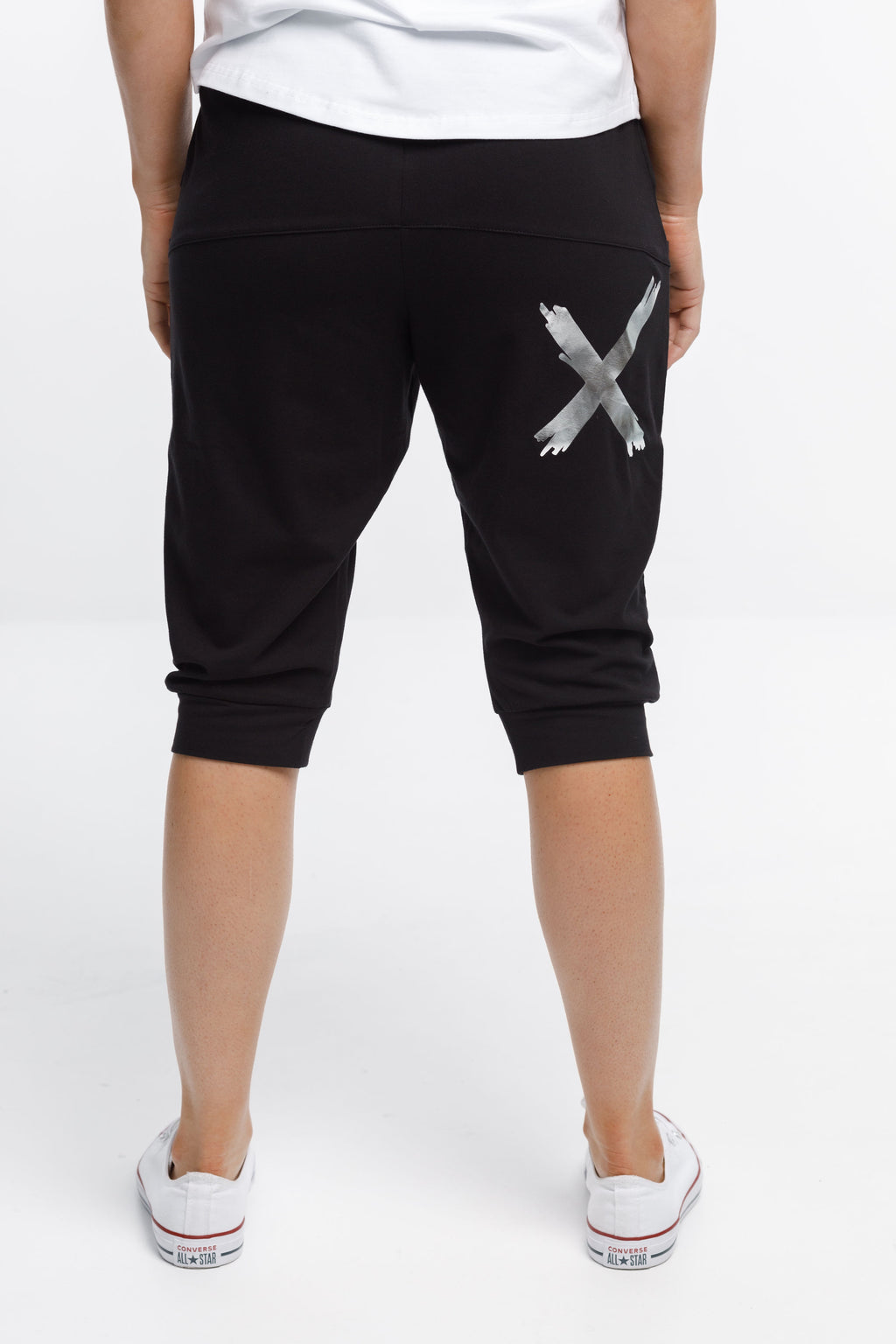 3/4 APARTMENT PANTS - Black with Silver X