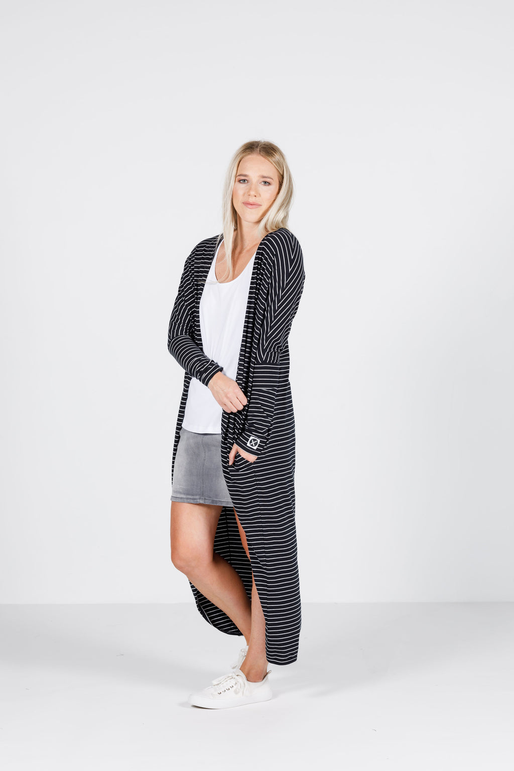 LONG LINE KIMONO - Black with thin white stripes