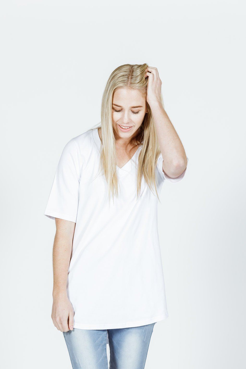 *LUCKY LAST SALE* V NECK LONG TEE - White