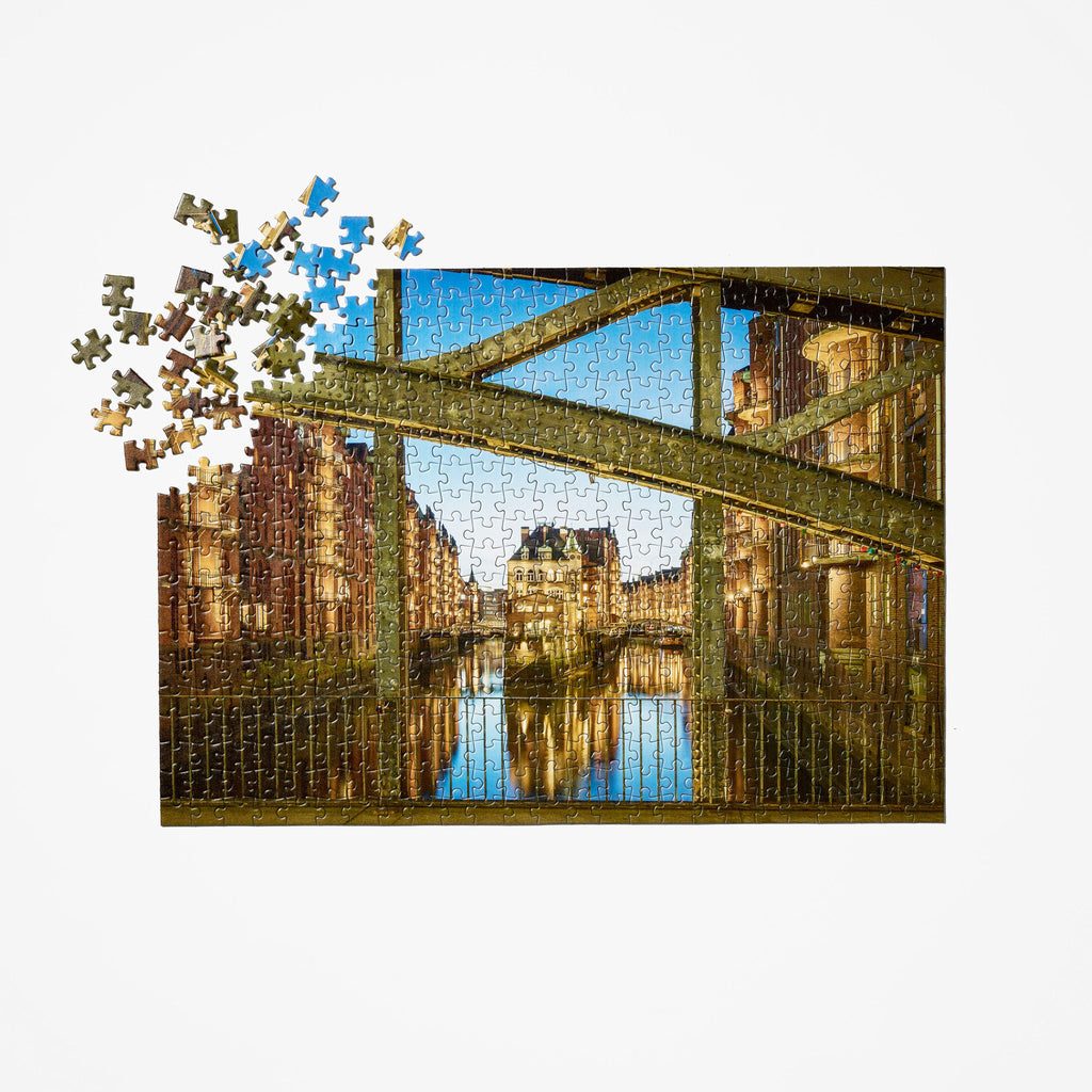 Hamburg Canal Travel Puzzle