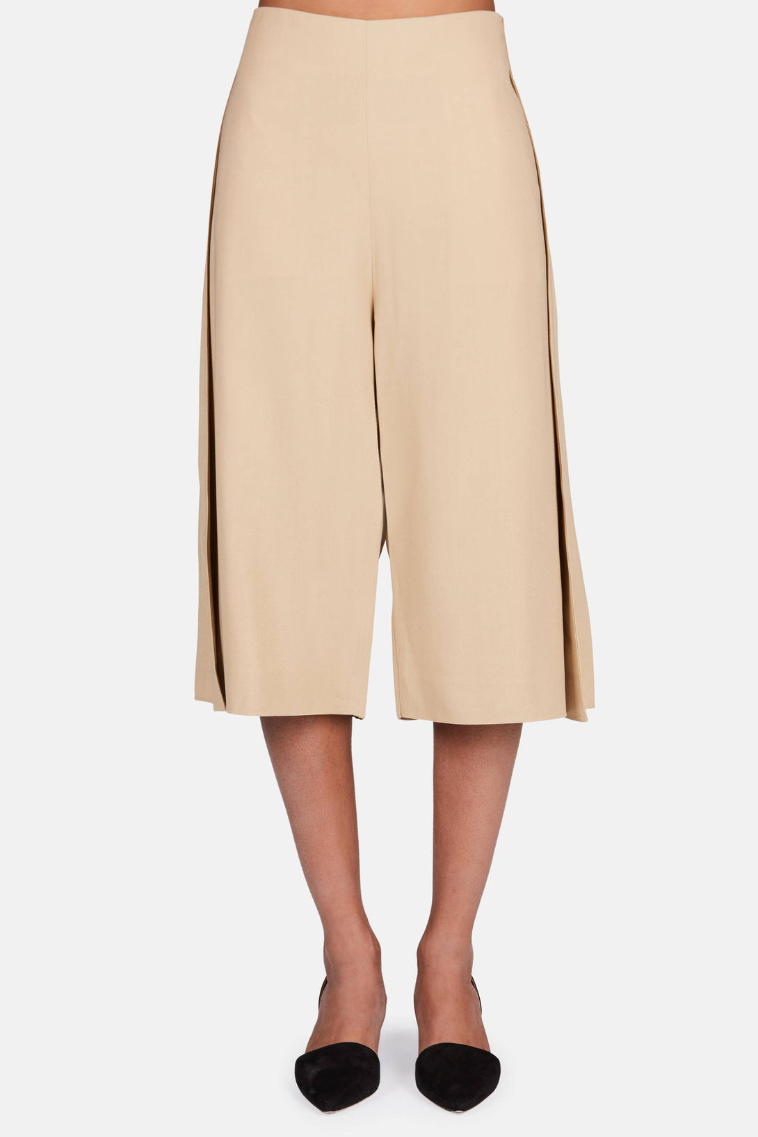 Caryn Crepe Shorts - Light Sand