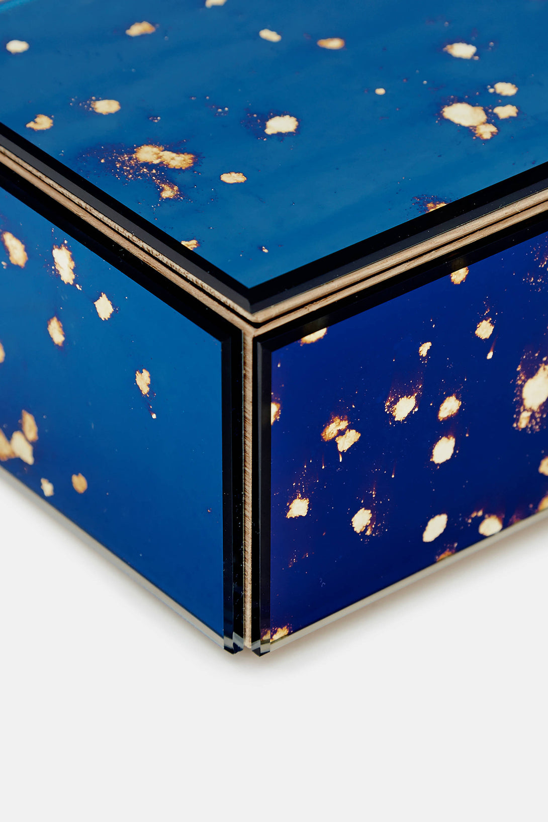 Container 9 Stardust Blue The Line