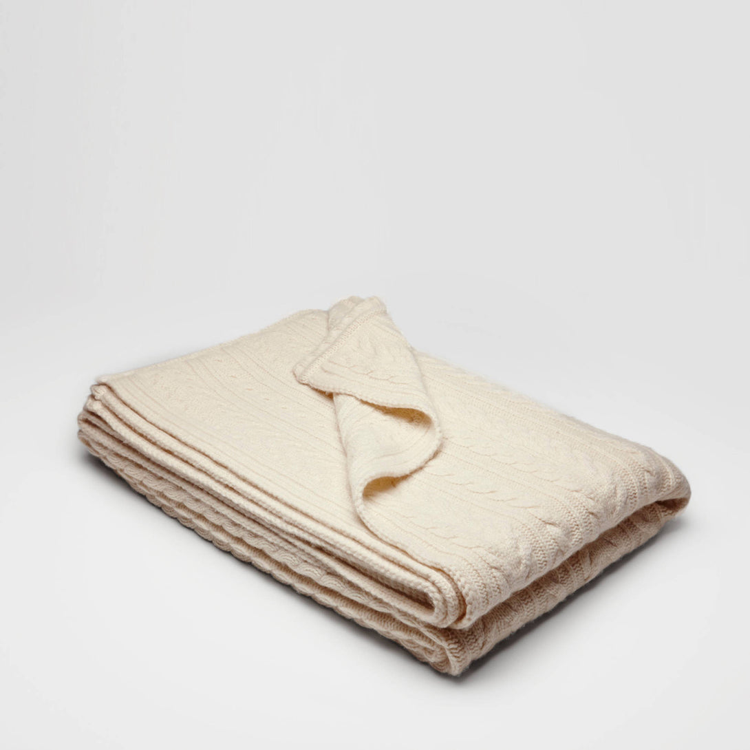 Classic Cable Knit Throw - Ivory