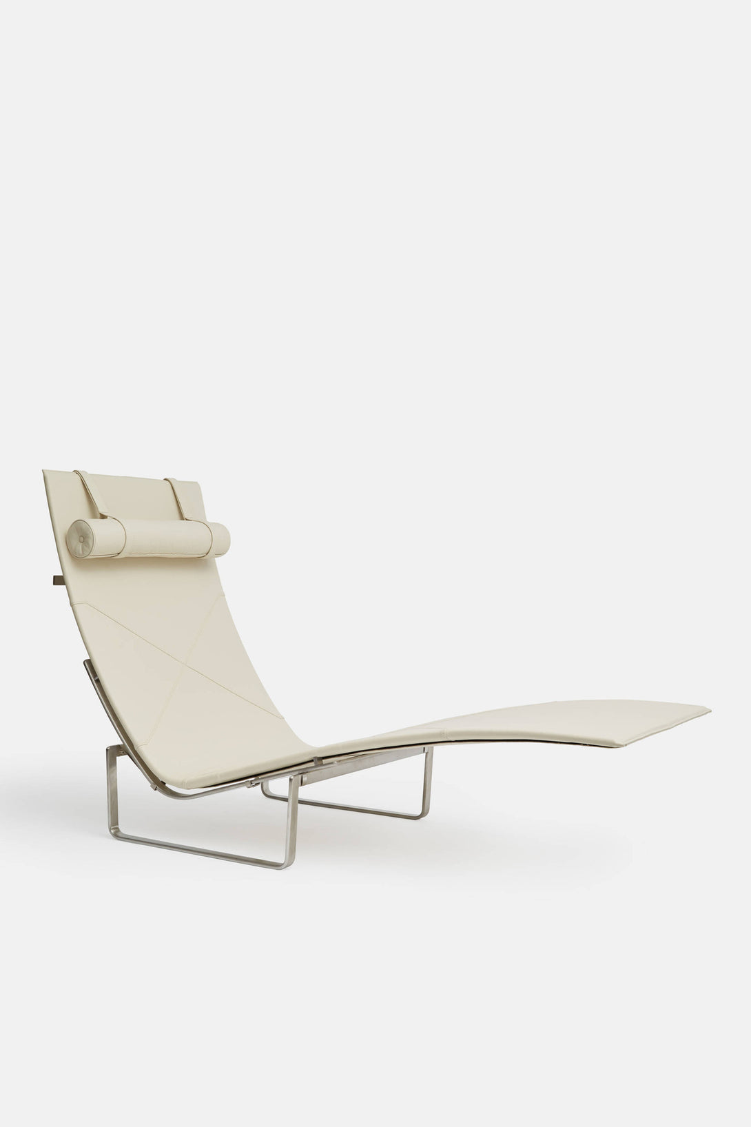 PK24 Chaise Lounge   White Leather