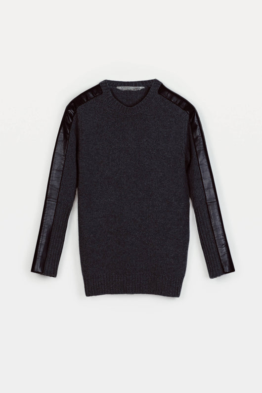L/S Slouchy Crew - Charcoal w/ Navy
