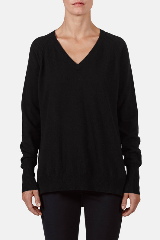 V-Neck Raglan w/ Silk Pleat Back - Black