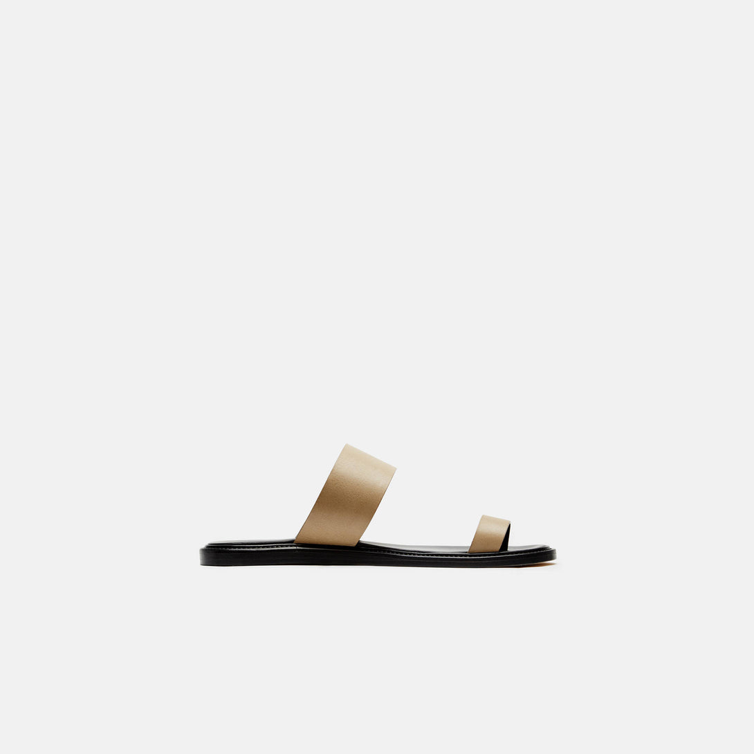 Minimalist Sandal in Leather - Olive