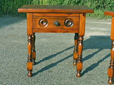 Antique turned-leg pine accent table with drawer