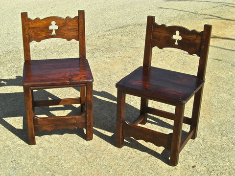 Scalloped-skirt pierced-back pine bench