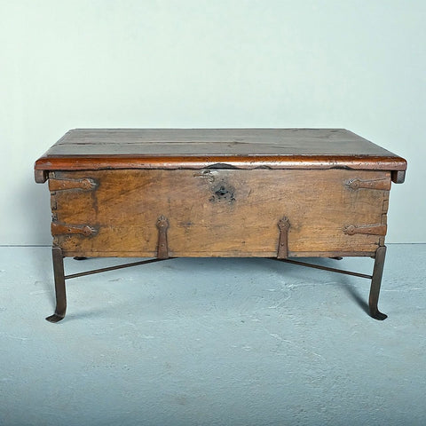 Antique small turned-leg chestnut coffee table