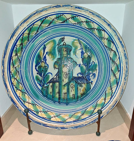 "Antique large painted majolica washbasin, ""Castle Ramparts"""