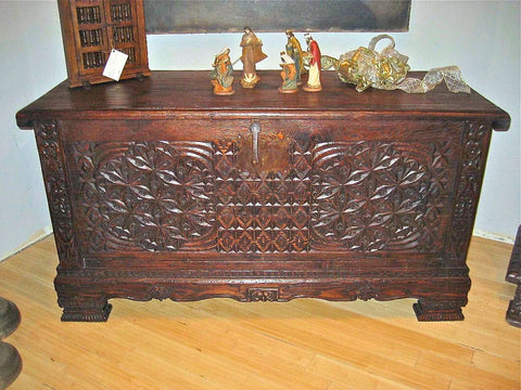 Carved reproduction Catalonian bride's chest, cachimbo hardwood