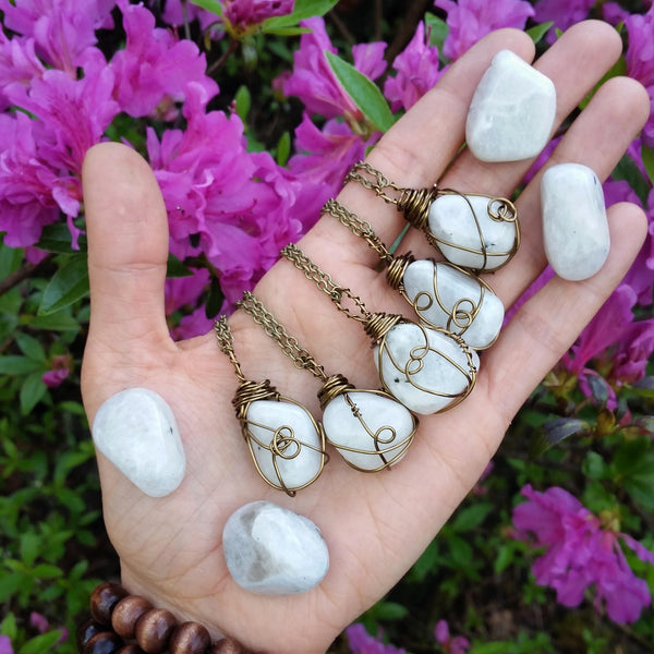 tumbled moonstone necklace, rainbow moonstone  necklace, moonstone necklace, crystal healing, crystal necklace, Love stone, june birthstone