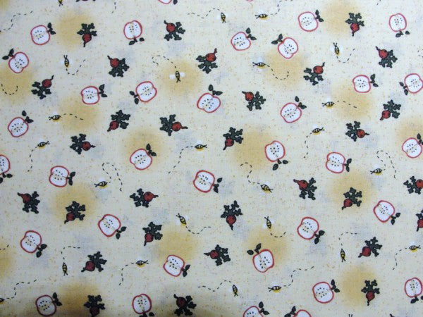 Leslie Beck apple fabric Heartland yardage - Fabric - Craft Supply House