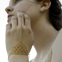 Mermaid's Allure Hand Chain - ESMEBO