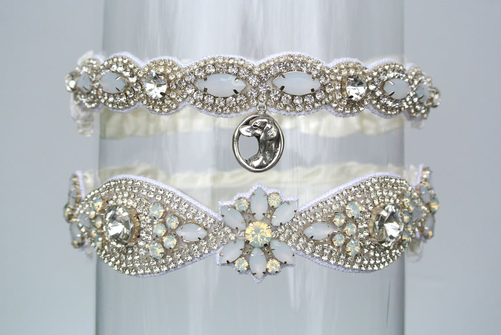 Custom Garter Spotlight: La Gartier Bride Natalie Pack's Viszla-Inspired, Sparkle-Blasted Wedding Garter Set