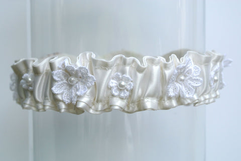 mothers wedding dress garter