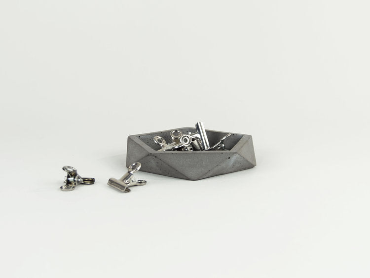 The Savvy Heart - Shallow Concrete Dish - Charcoal