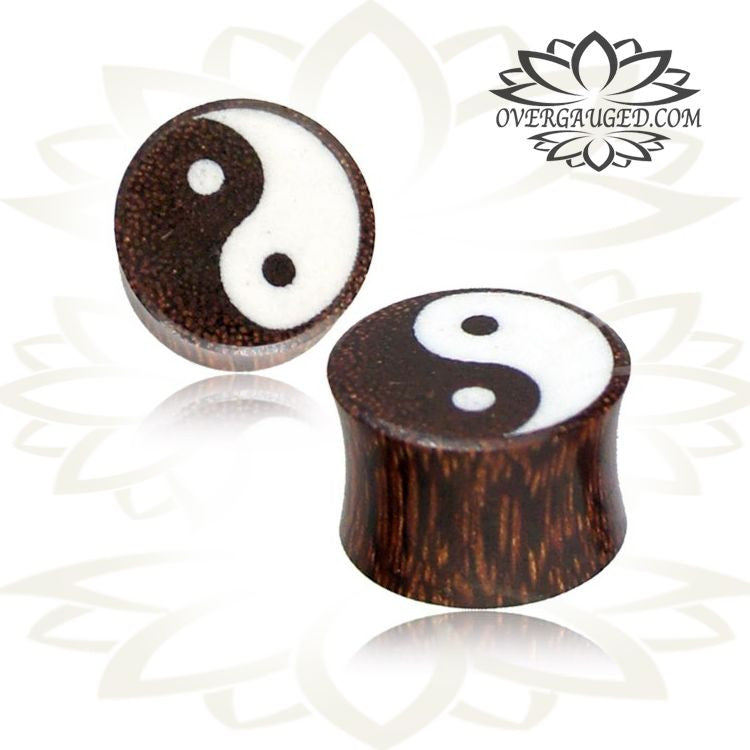 Double Flared Nara Wood Plug With Carved Rim And Inlay
