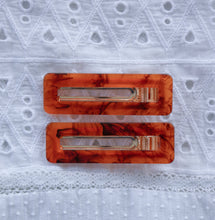 AMBER HINGED BARRETTE SQUARE