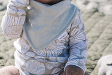 Little Fisher Co. produces quality, stylish French linen pieces handcrafted in Australia. Baby bandana bibs